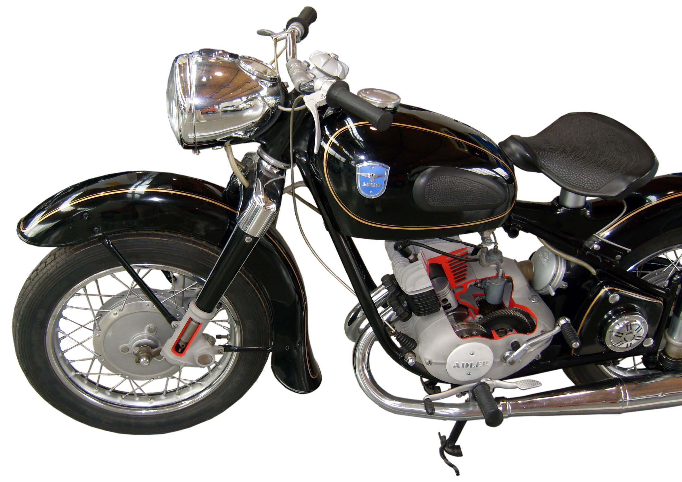 Adler MB 250 im Schnitt mit Blick auf das Vorderrad und den Motor