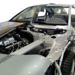 Blick auf ein Audi A8 Schnittmodell von vorn