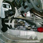 Blick in den Fußraum des Schnittmodelles eines Audi A8 von 2010