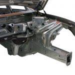 Blick in die Rohkarosserie des Audi Q5 von schräg vorne