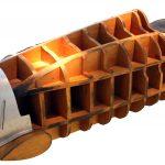Zu sehen ist das Buchenholzmodell für die Herstellung der Karosseriebeplankung eines Auto Union Typ C