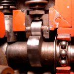 Blick auf die Nockenwelle einer Dieselreiheneinspritzpumpe