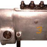 Blick auf die Rückseite einer älteren Bosch Reihenpumpe