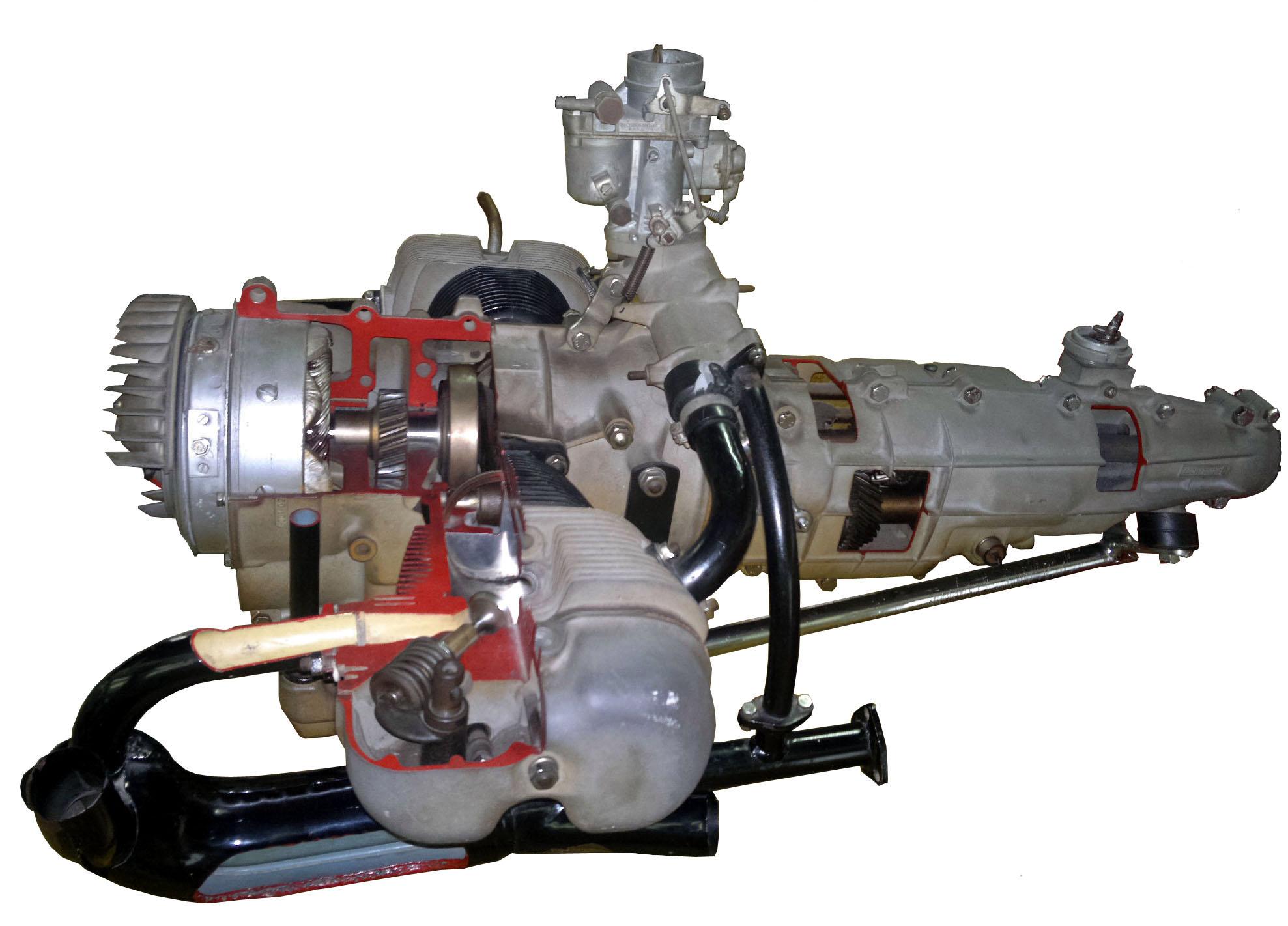 Blick auf das Schnittmodell eines Heinkel-Motors 458A-O mit angeflanschtem Getriebe
