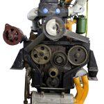 Blick auf die Front eines Schnittmodelles eines Ifa W50 Motors