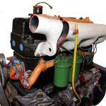 Blick auf das Schnittmodell eines 4-Zylinder-Dieselmotors für den Ifa W50 Lkw