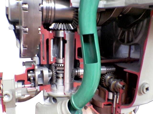 Blick auf das Schnittmodell eines Junkers Flugzeugmotors