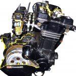 Blick auf das Schnittmodell eines 4-Zylinder-Motorradmotors von Kawasaki
