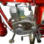 Schnittmodell einer MZ 175/1 mit Blick auf Motor und Getriebe