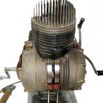 Blick auf einen Einzylindermotor als Schnittmodell von NSU