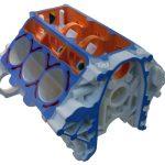 Blick auf einen im 3-D-Druckverfahren hergestellten V6 Motorblock im Modellmaßstab