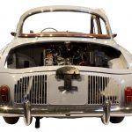 Blick von hinten auf das Renault Dauphine Schnittmodell
