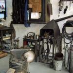 Blick auf die Schmiedeecke einer alten Zweiradwerkstatt